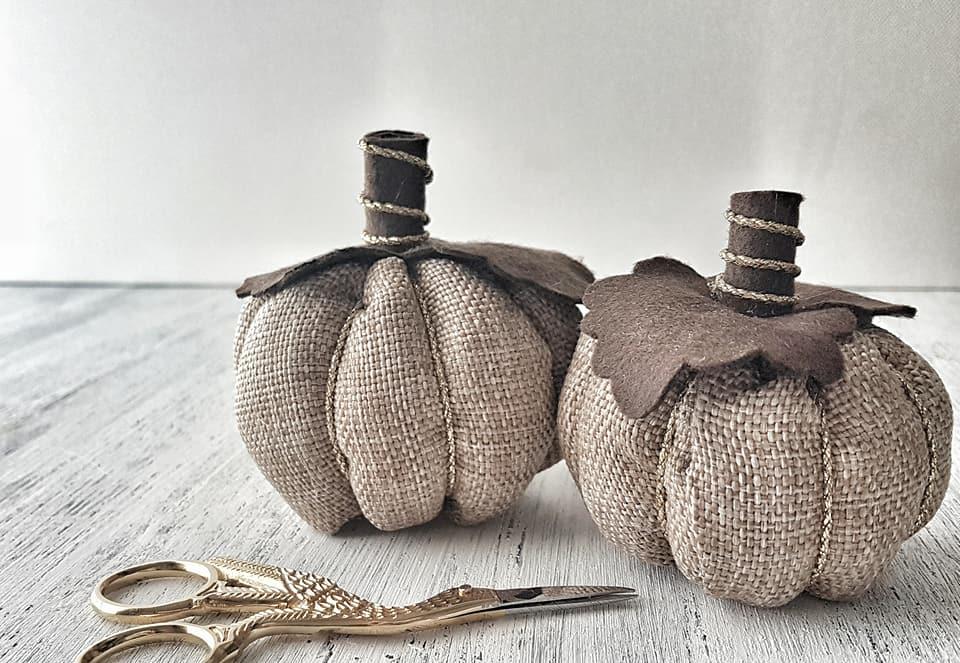 Le zucche di stoffa fatte a mano